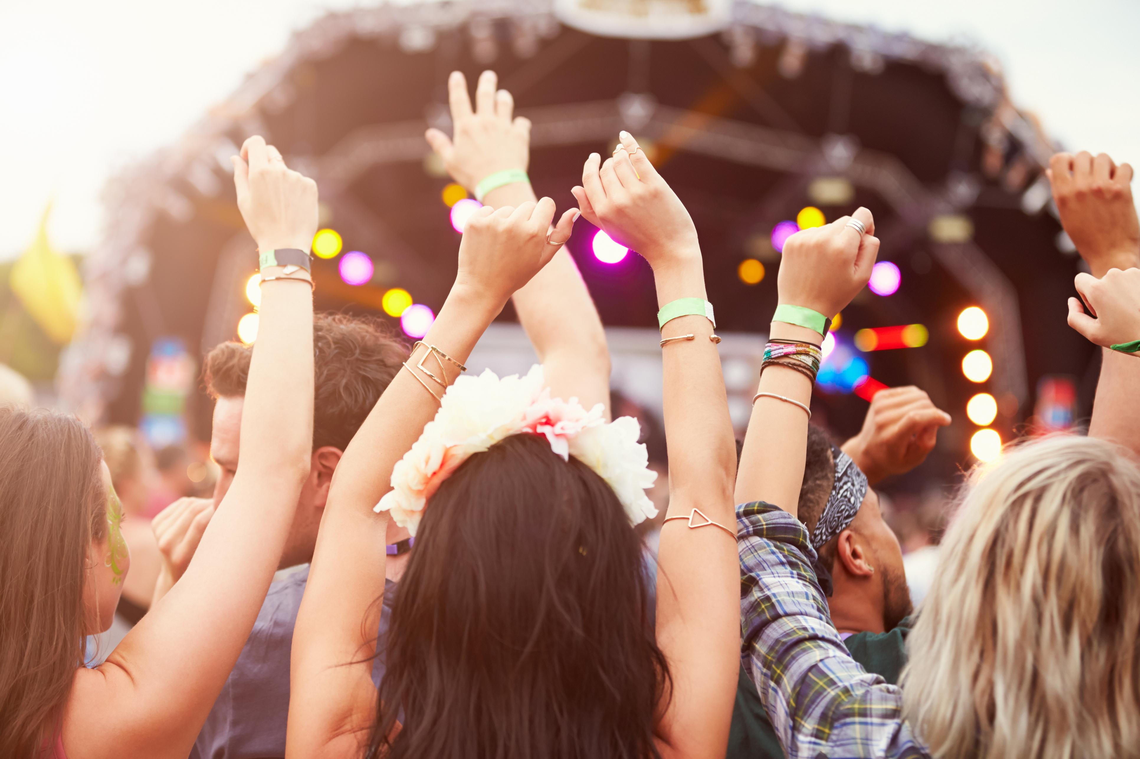 festival musicali 2017 mani in aria