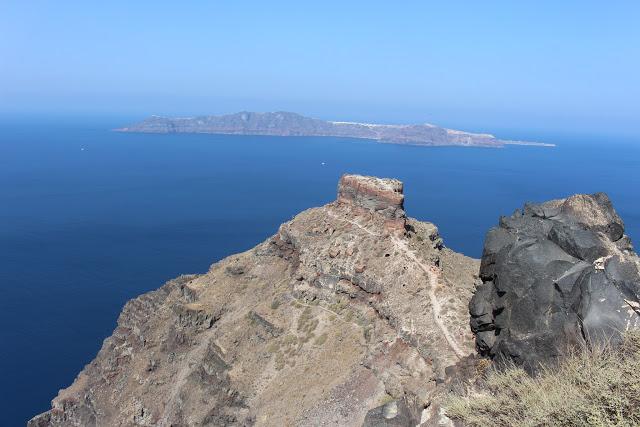 rovine della fortezza di Skáros a Santorini