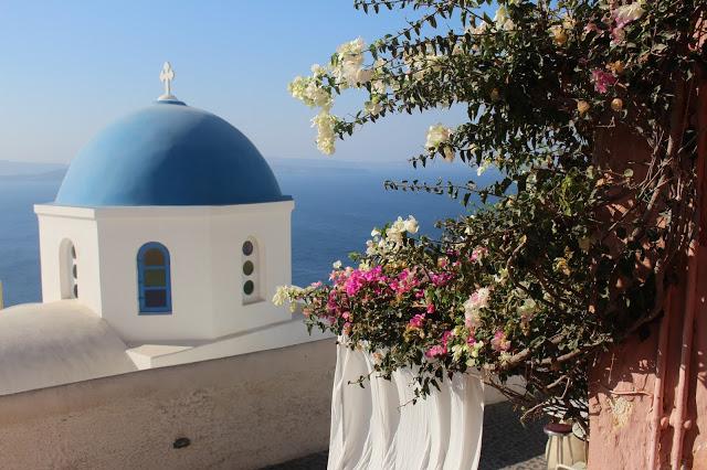 i tetti blu di oia a santorini
