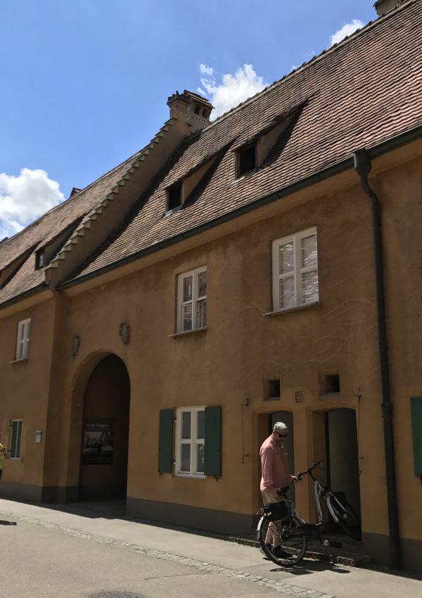 Visitare Augsburg: la Fuggerei, le prime case popolari d'Europa