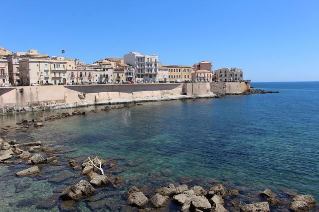 il centro storico di siracusa visto dal mare
