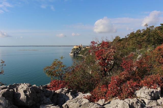 castello di duino visto dal sentiero di rilke