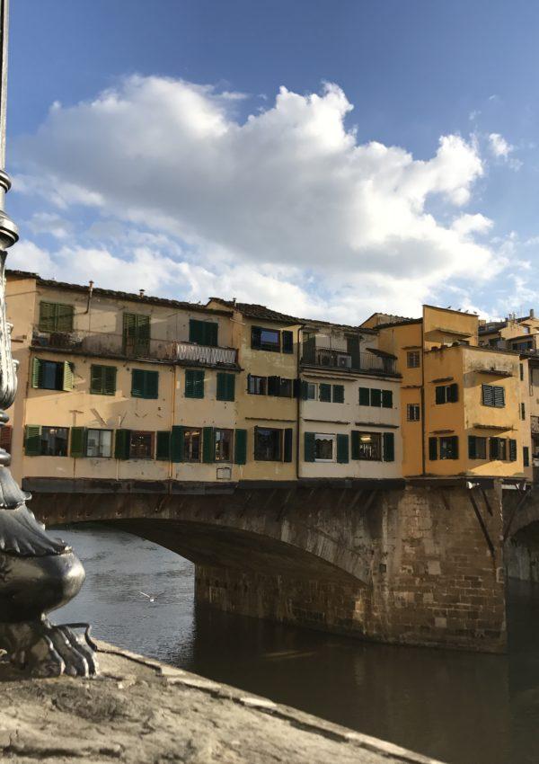 lungarno firenze vista di ponte vecchio