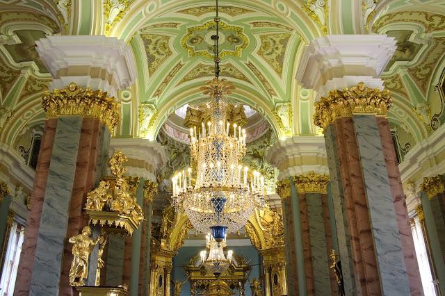 interno della fortezza dei Santi Pietro e Paolo a San Pietroburgo