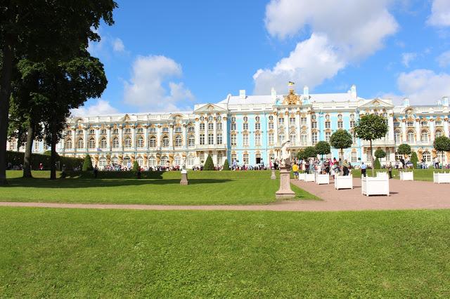 veduta d' insieme del palazzo di caterina a Pušhkin