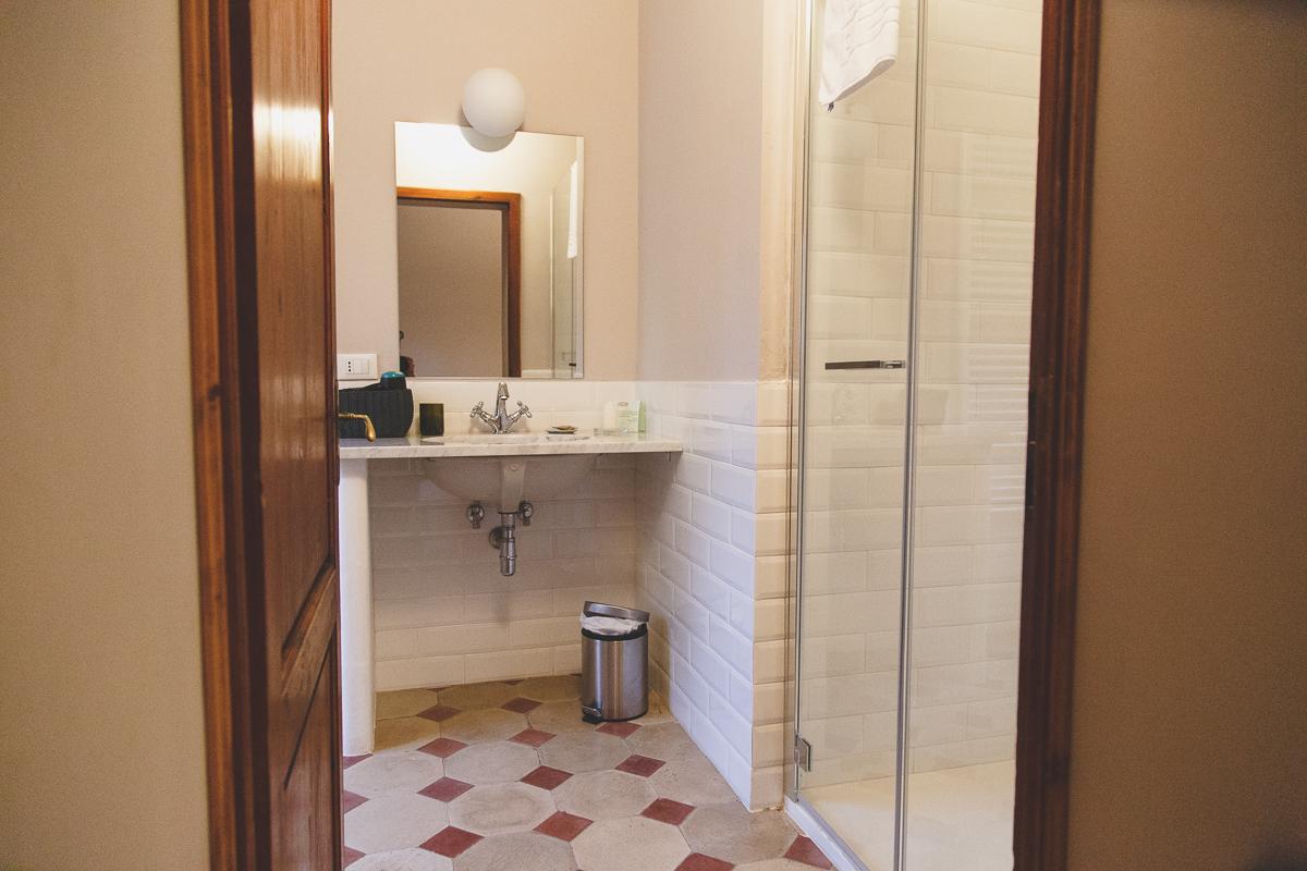 tenuta di capezzana camera con bagno
