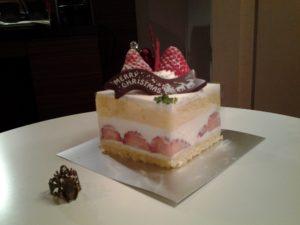 giappone_torta_natale_panna e fragole