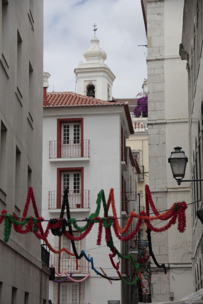 Festoni in Alfama a Lisbona