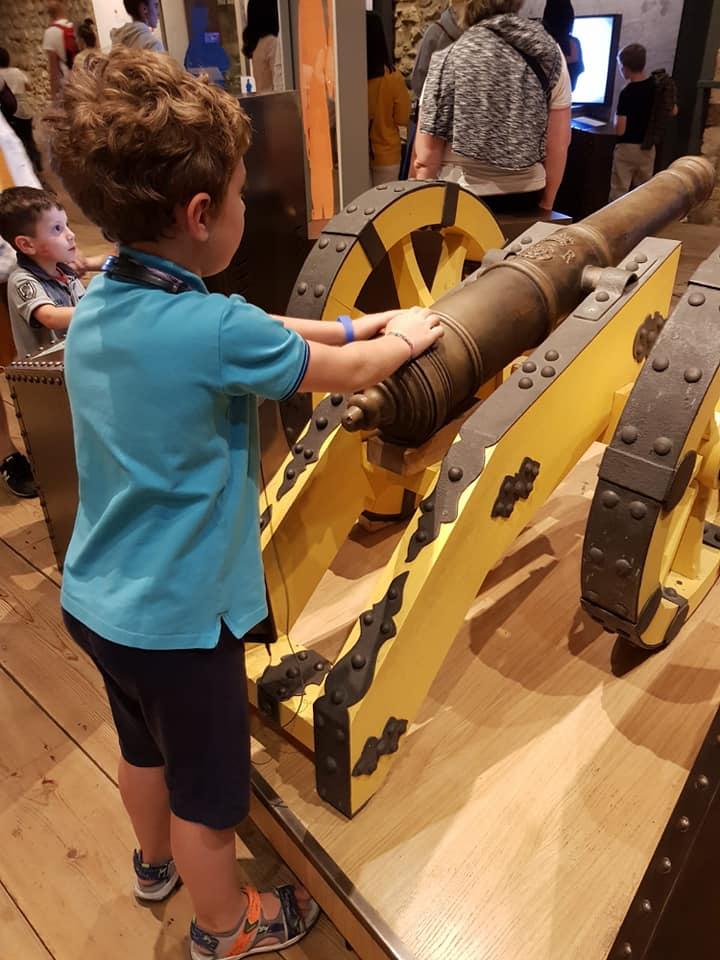 gioco coi cannoni alla torre di londra