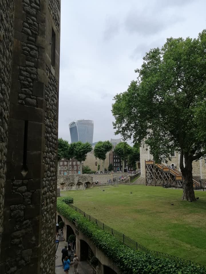 londra moderna vista dalla torre di londra
