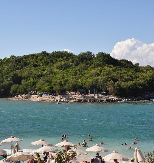 Alla scoperta dell'Albania: le migliori spiagge e i traghetti per raggiungerle