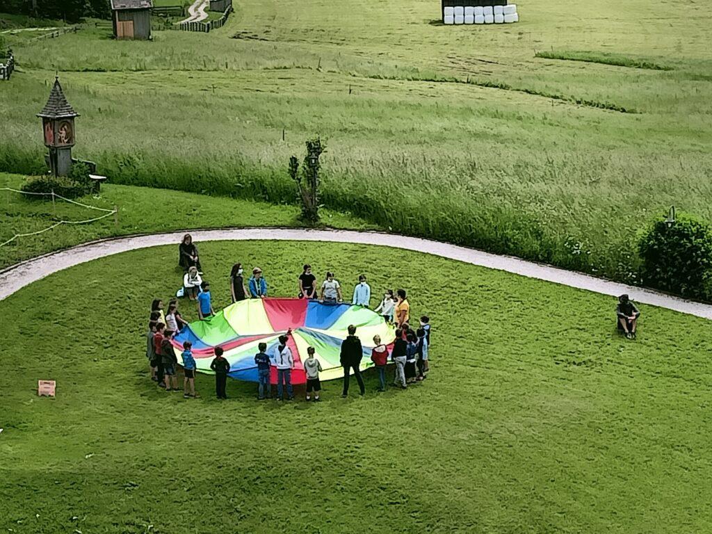 bambini che giocano al family resort rainer